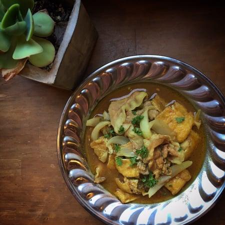 油揚げのポークカレー Fried tofu and pork curry