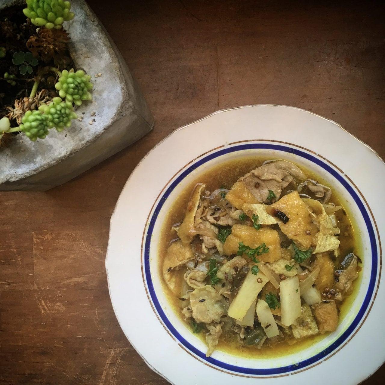 長芋と油揚げのポークカレー